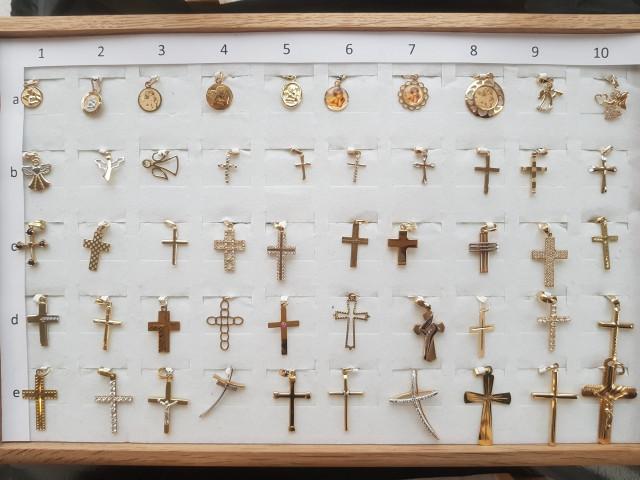 Zlaté přívěšky křížky andělé
